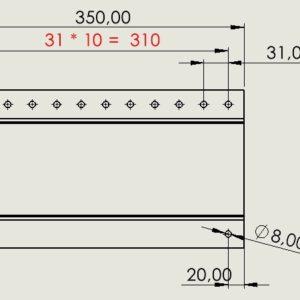 Równanie automatycznie pokazujące rozstaw otworów na rysunku